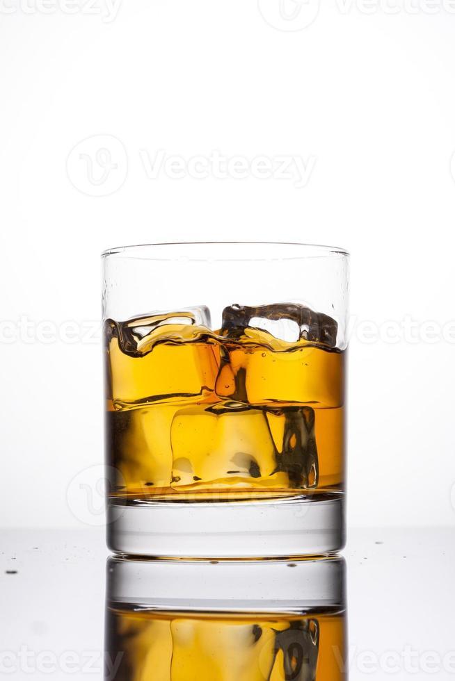 whisky in glas foto