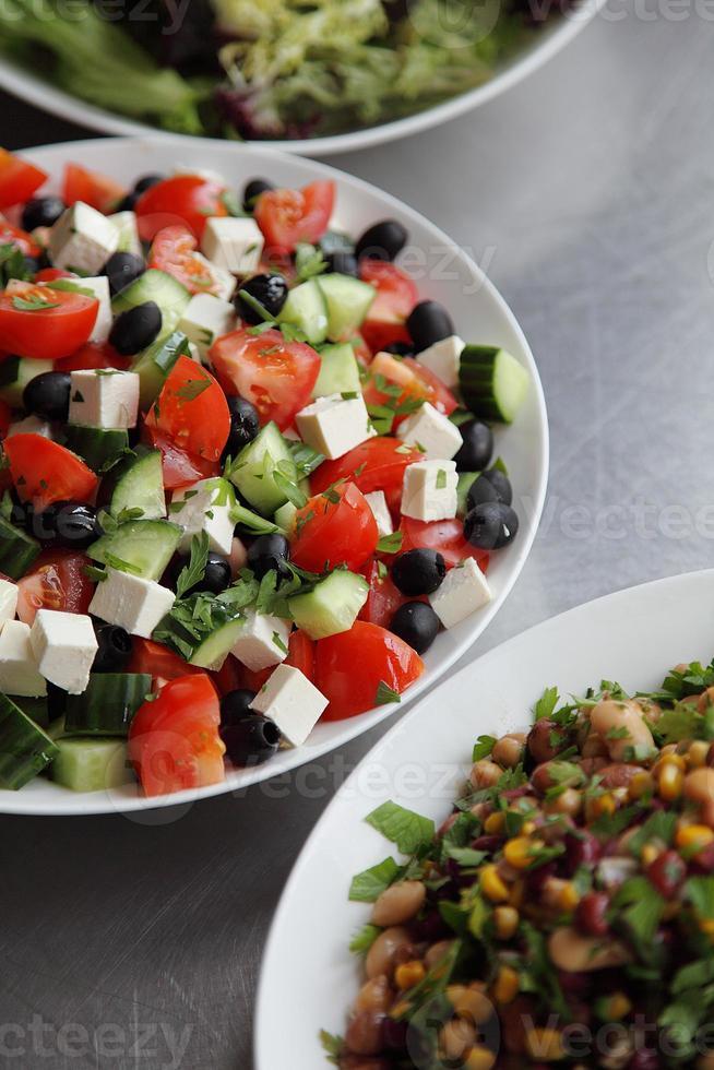 trio van verse salades foto