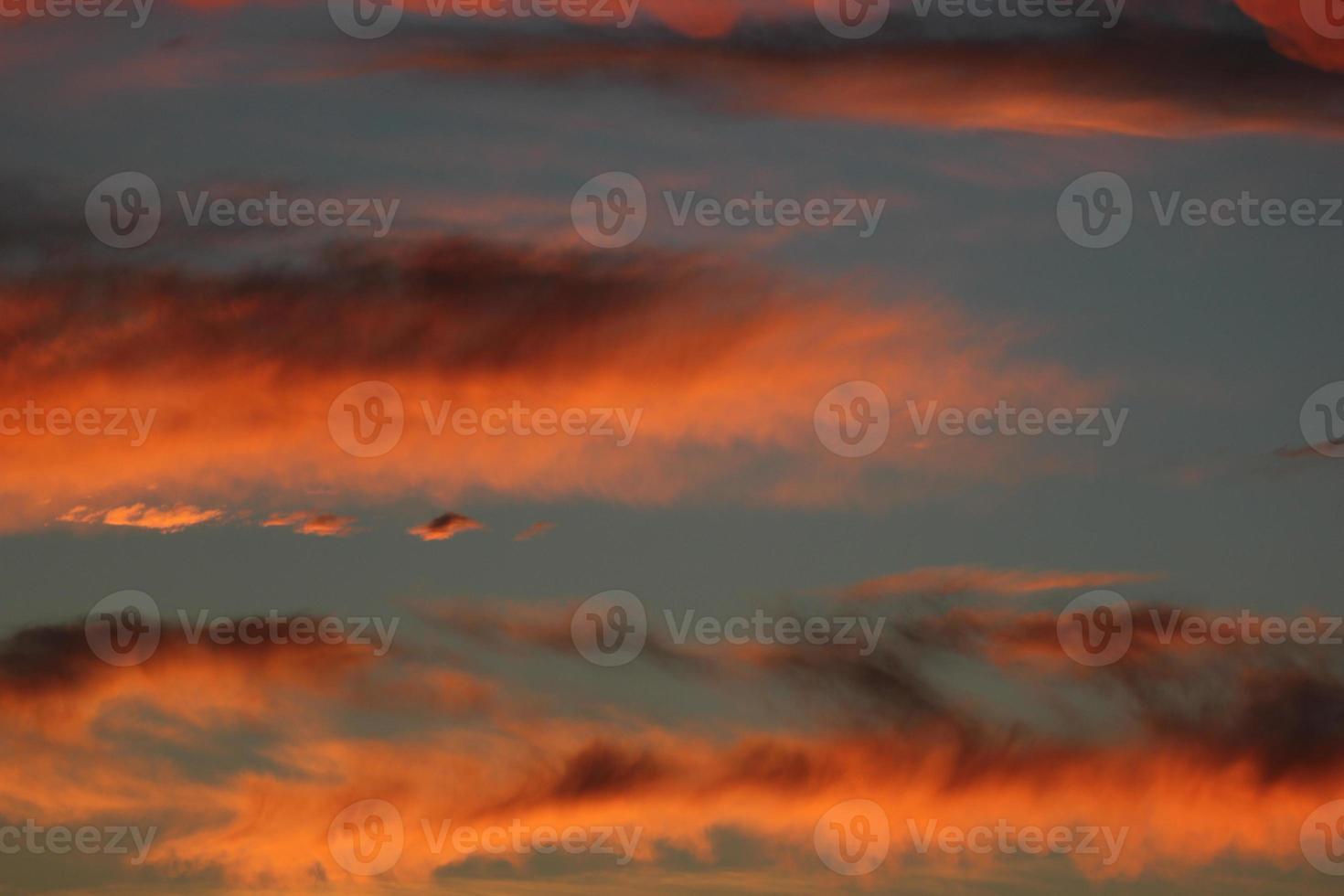 wolk in zonsondergang foto