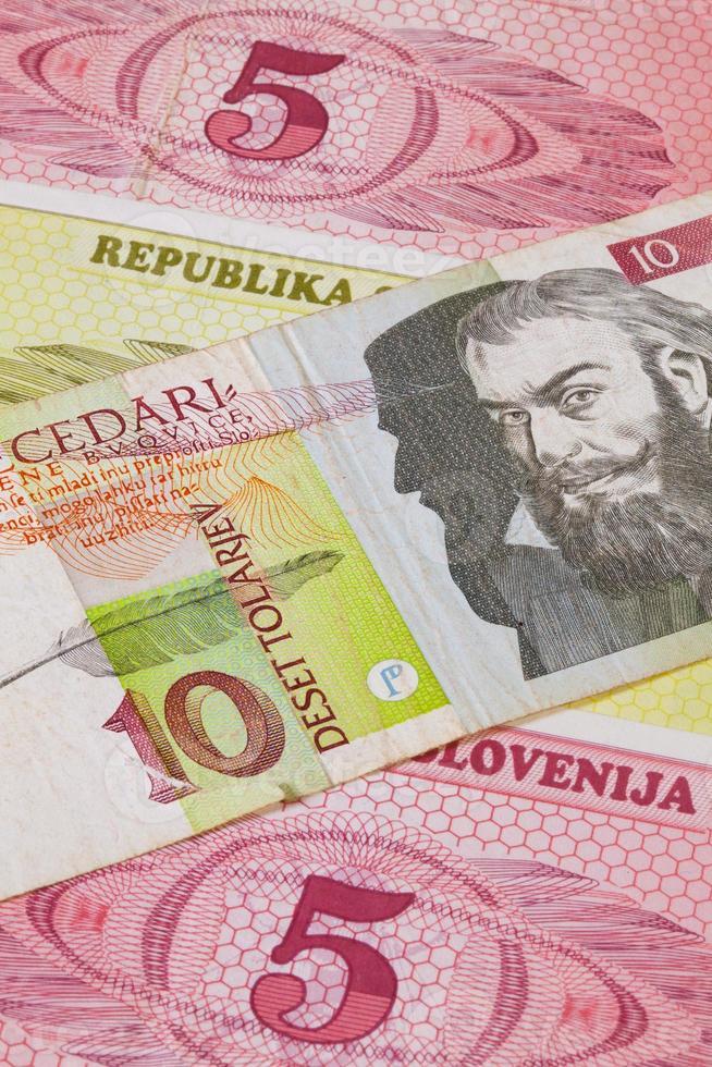 verschillende tolaire bankbiljetten uit slovenië foto