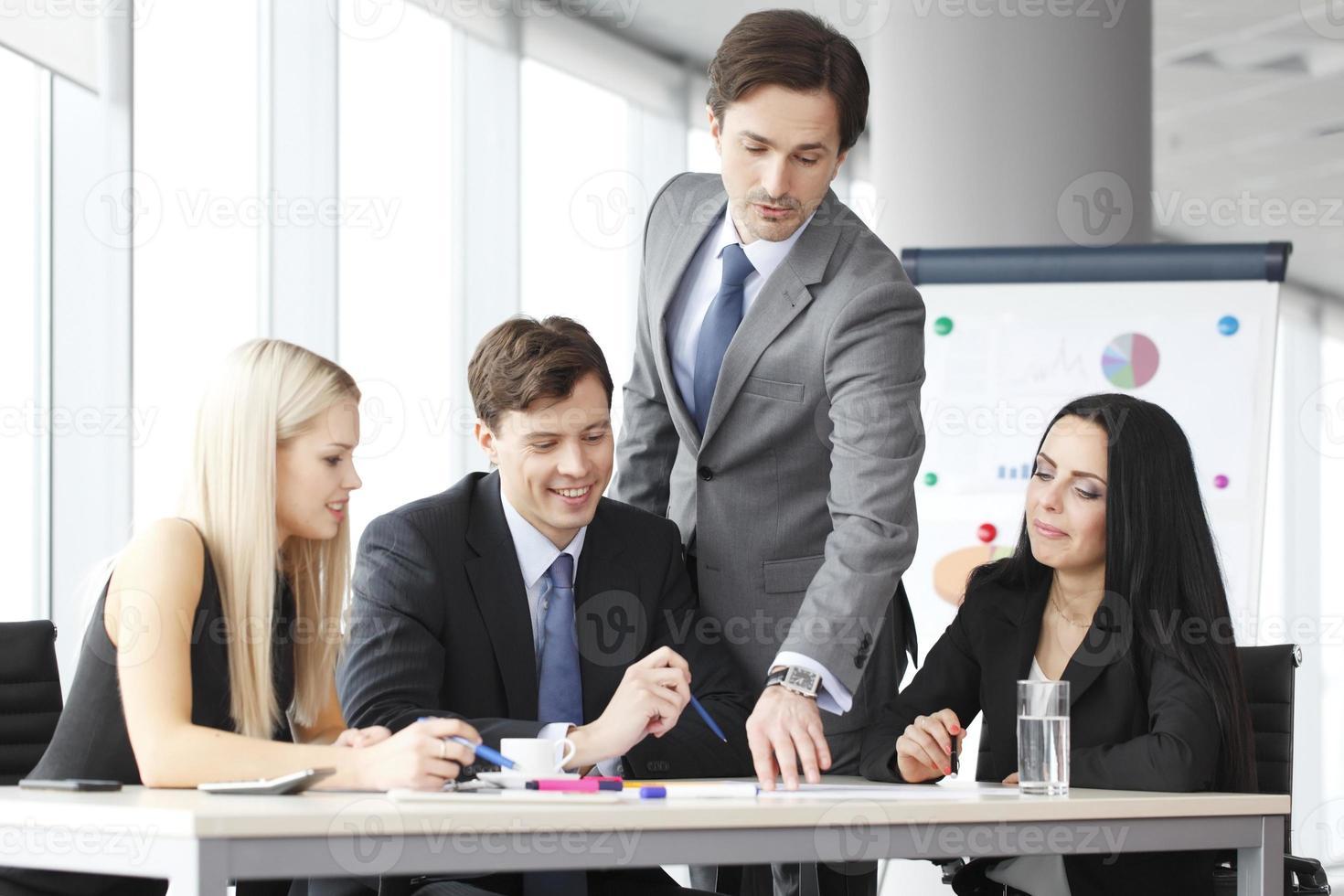 teamwerk van mensen uit het bedrijfsleven foto