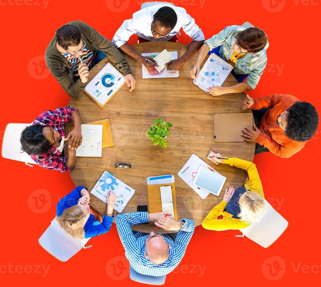 vergadering data-analyse communicatie planning bedrijfsconcept foto