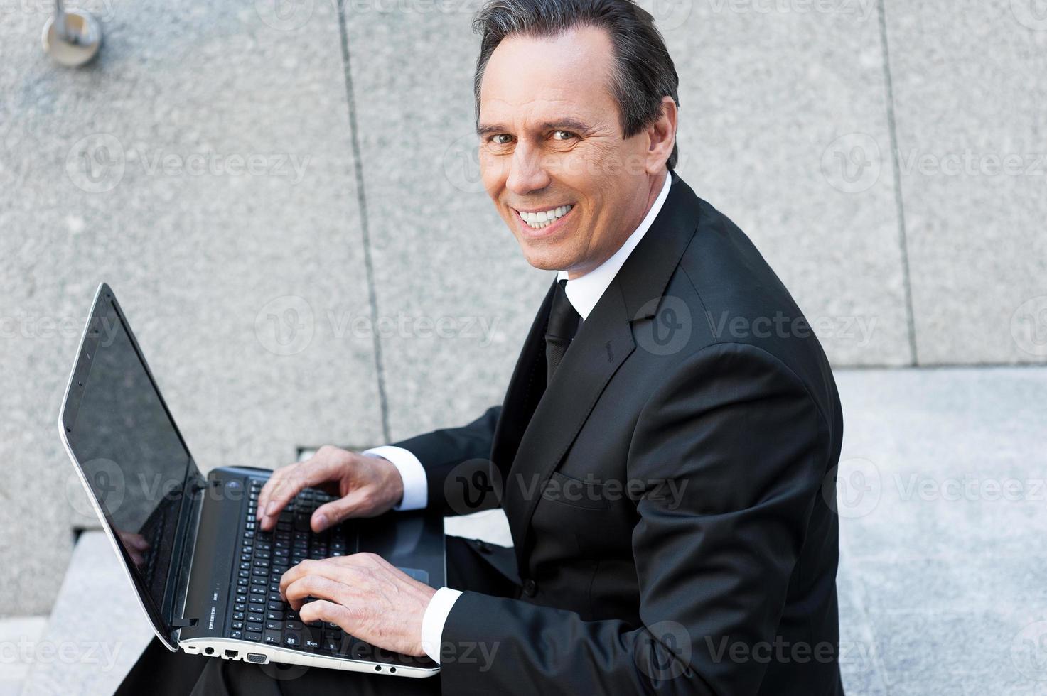 zelfverzekerde zakenman foto
