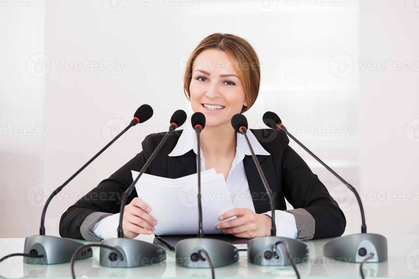 zakenvrouw in conferentie foto