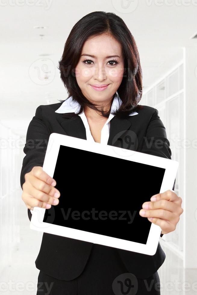 zakenvrouw weergegeven: tablet foto