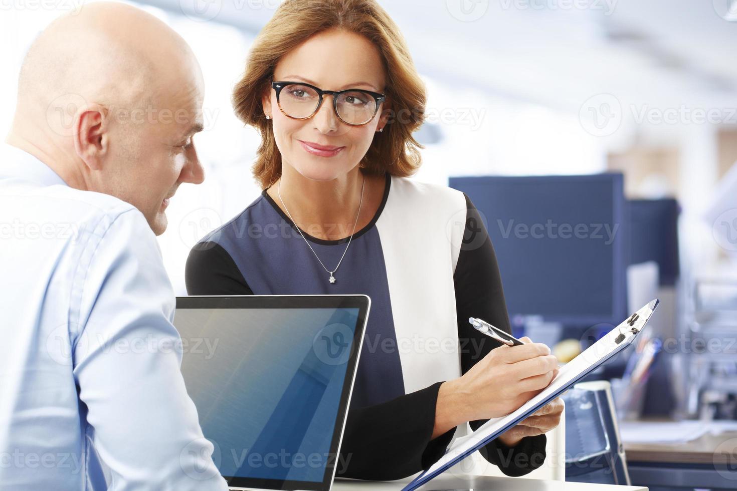 business team op kantoor foto