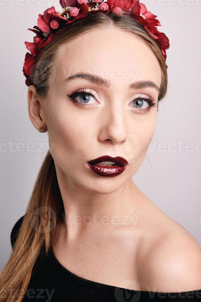 portret van een mooi jong meisje met make-up foto