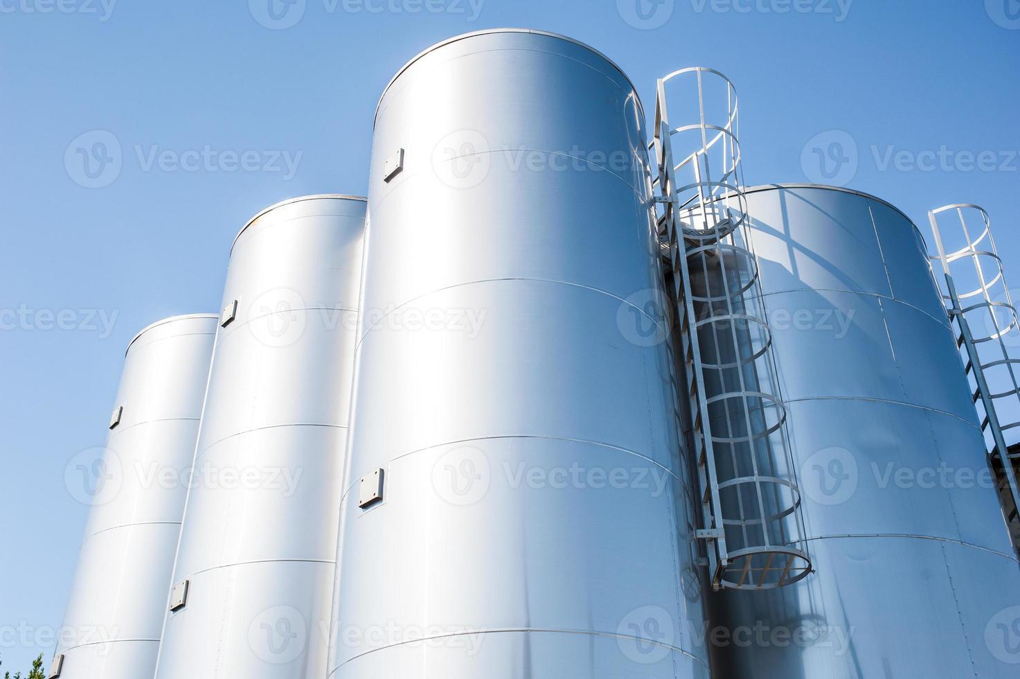 chemische fabriek, containers foto