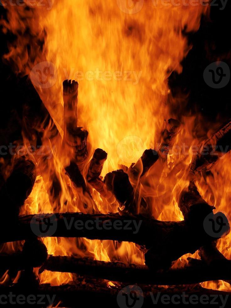 vuur brandend hout 14 foto