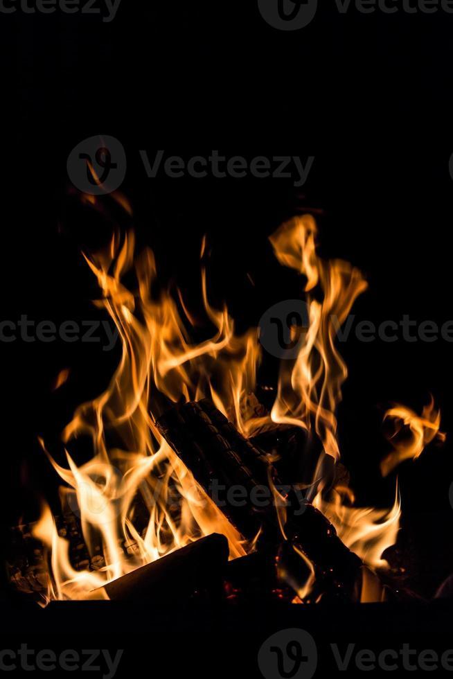 vuur in een open haard foto