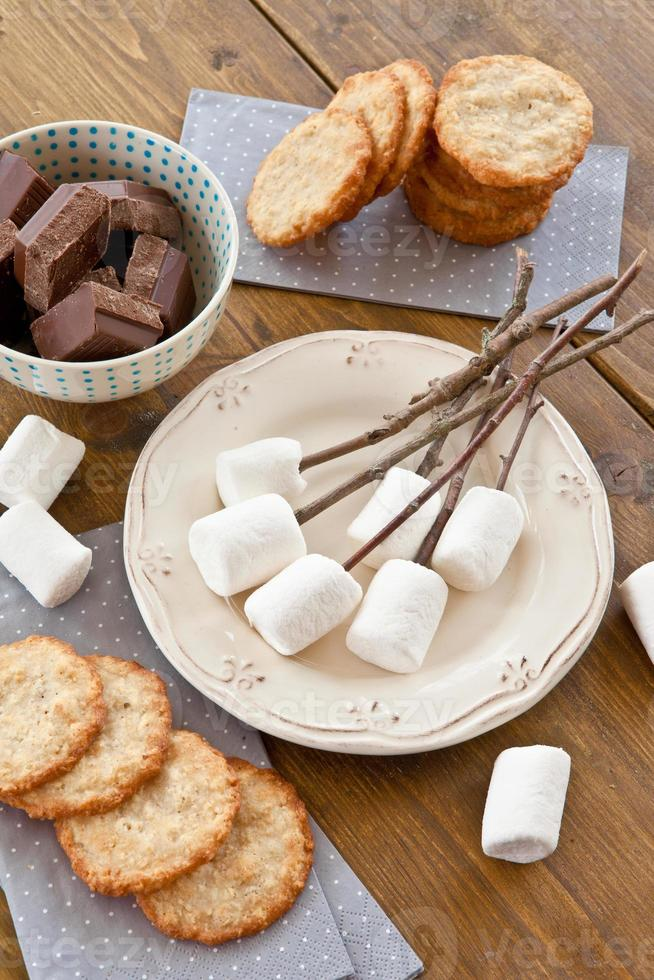 marshmallows worden geroosterd foto