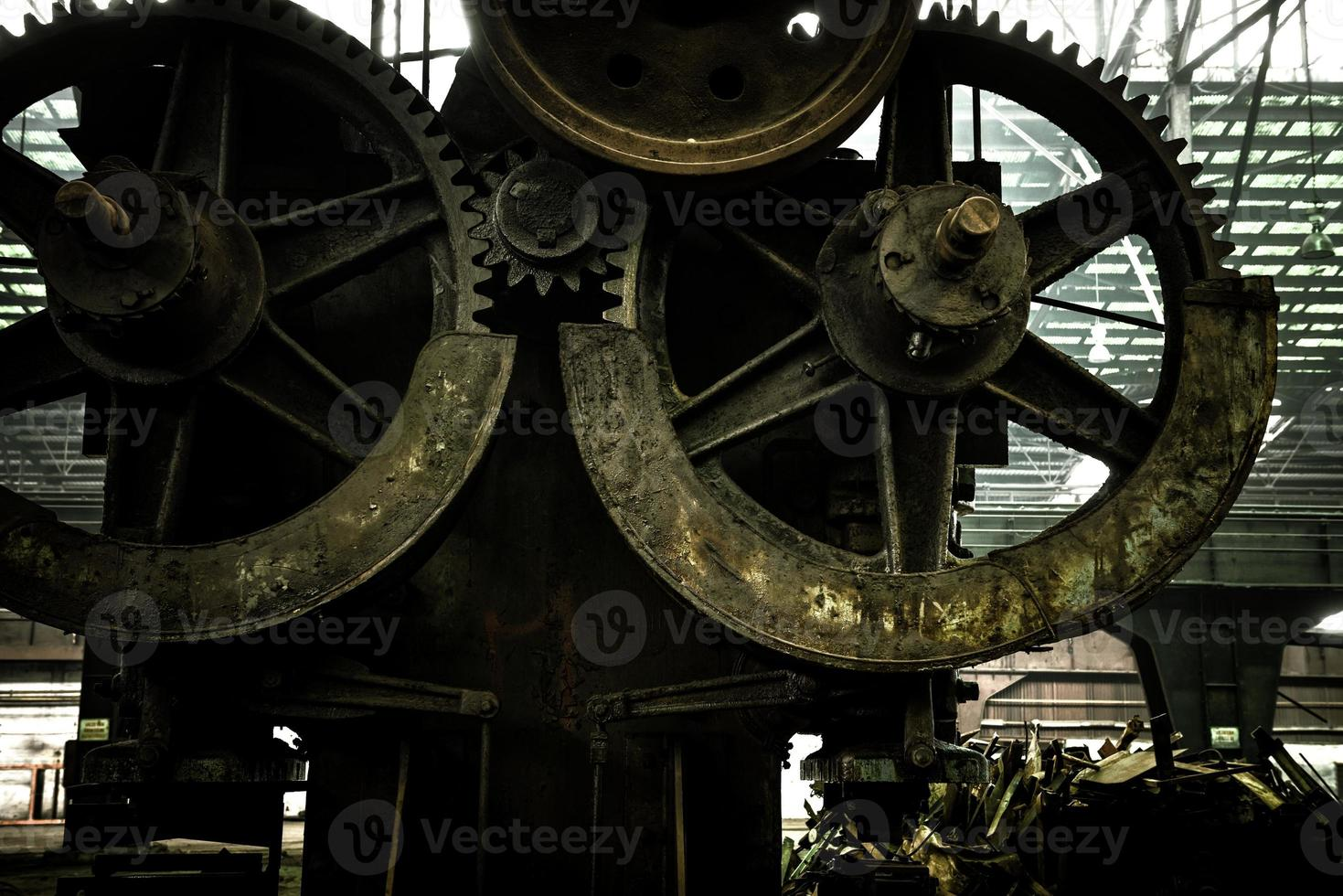 grote industriële hal met tandwielen foto