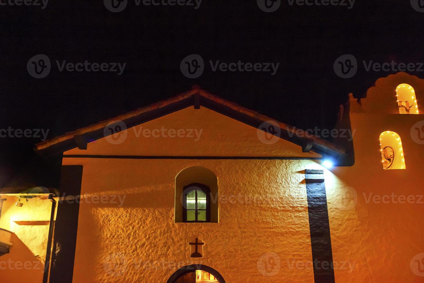 oude missie Santa Ines Solvang Californië Cross Bells Night R foto
