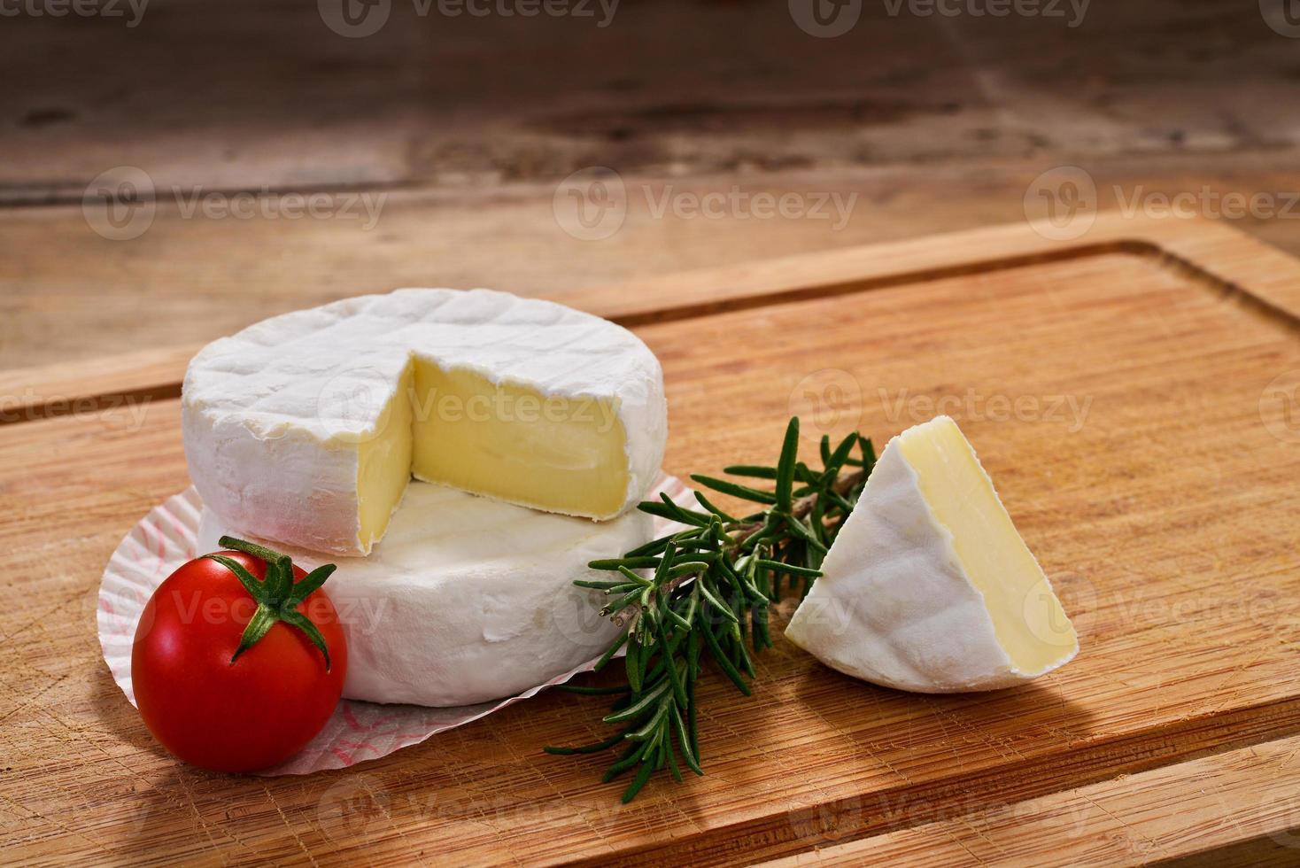 Italiaanse tomino kaas foto