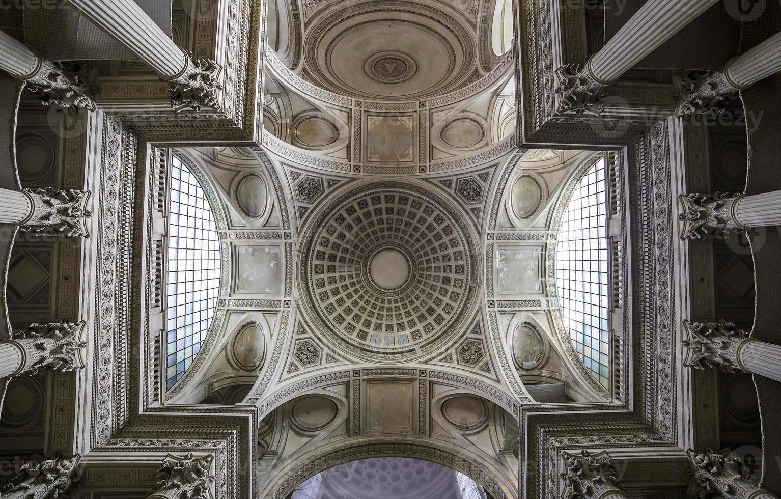 interieurs van pantheon necropolis, paris, frankrijk foto