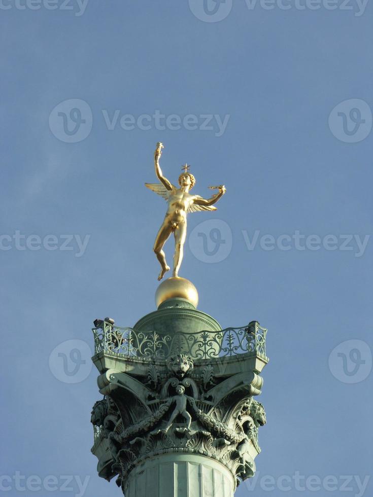standbeeld in bastille plaats foto