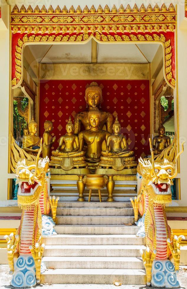 Boedha in de tempel van Thailand foto