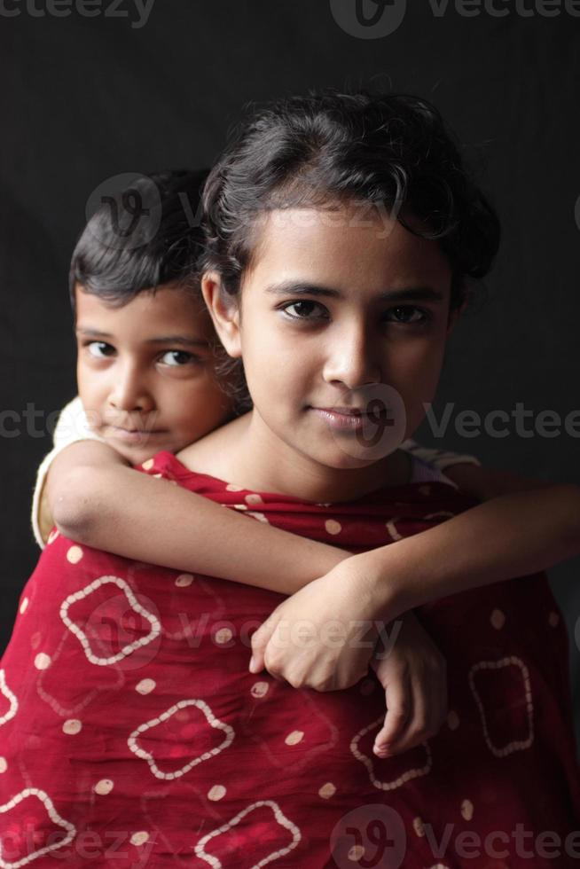 broer of zus foto