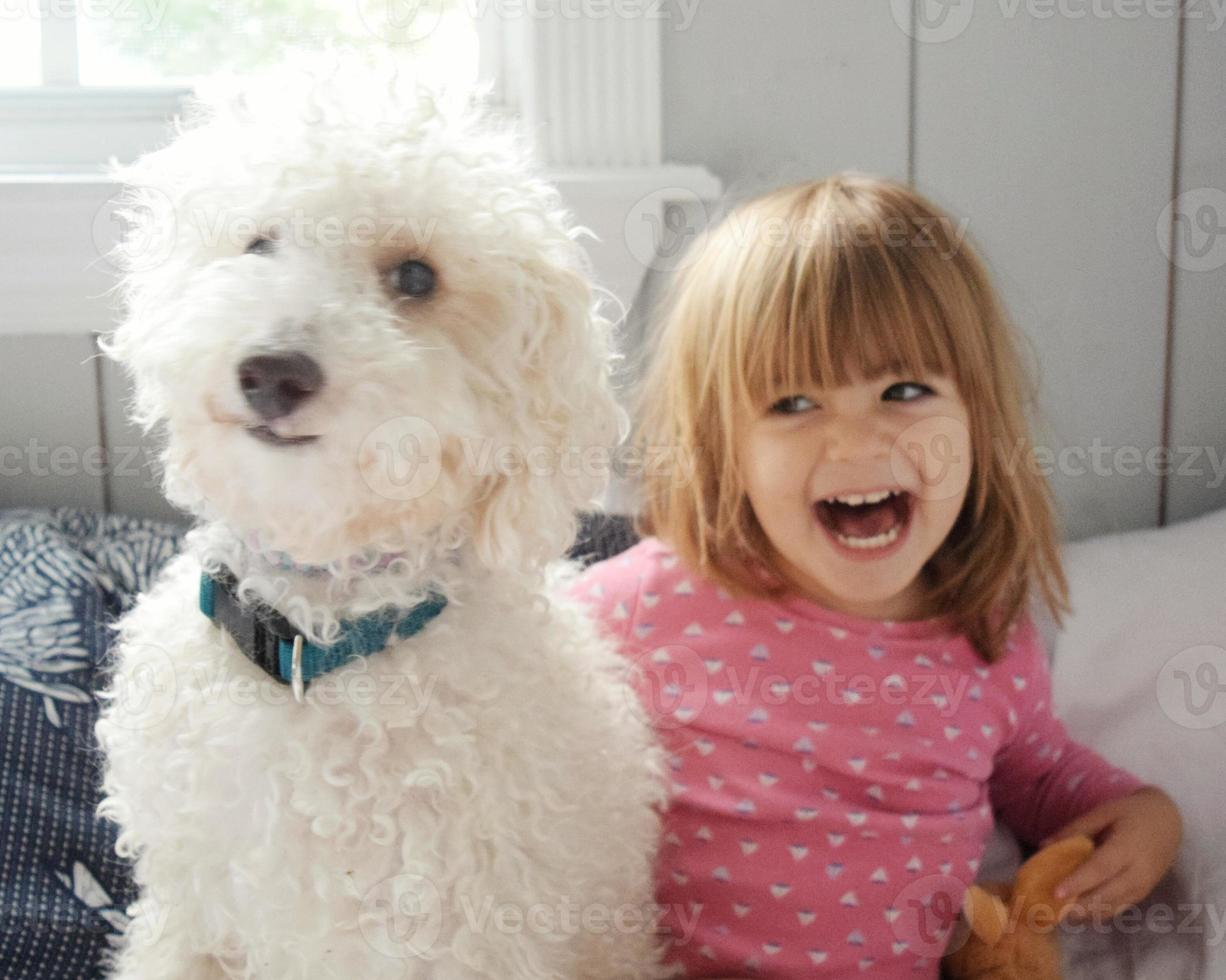 jij grappige pup! foto