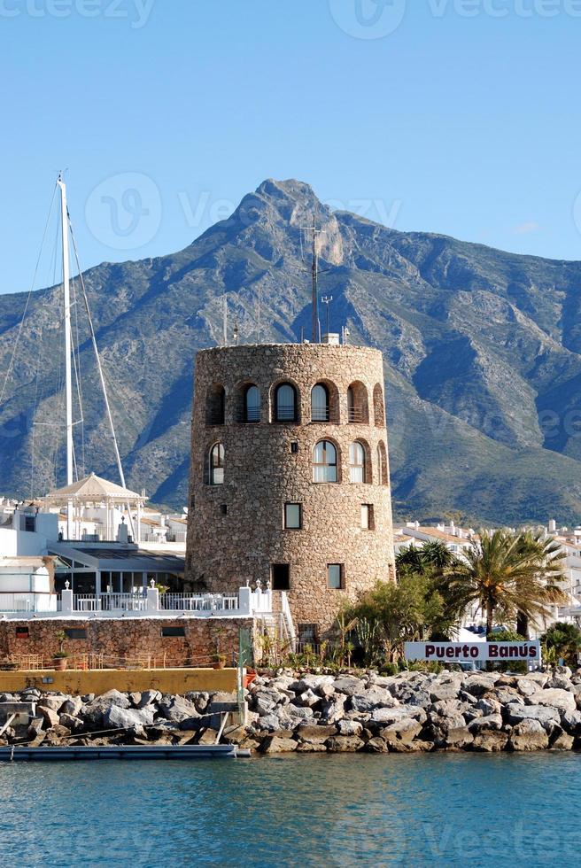 haven uitkijktoren, puerto banus, spanje. foto