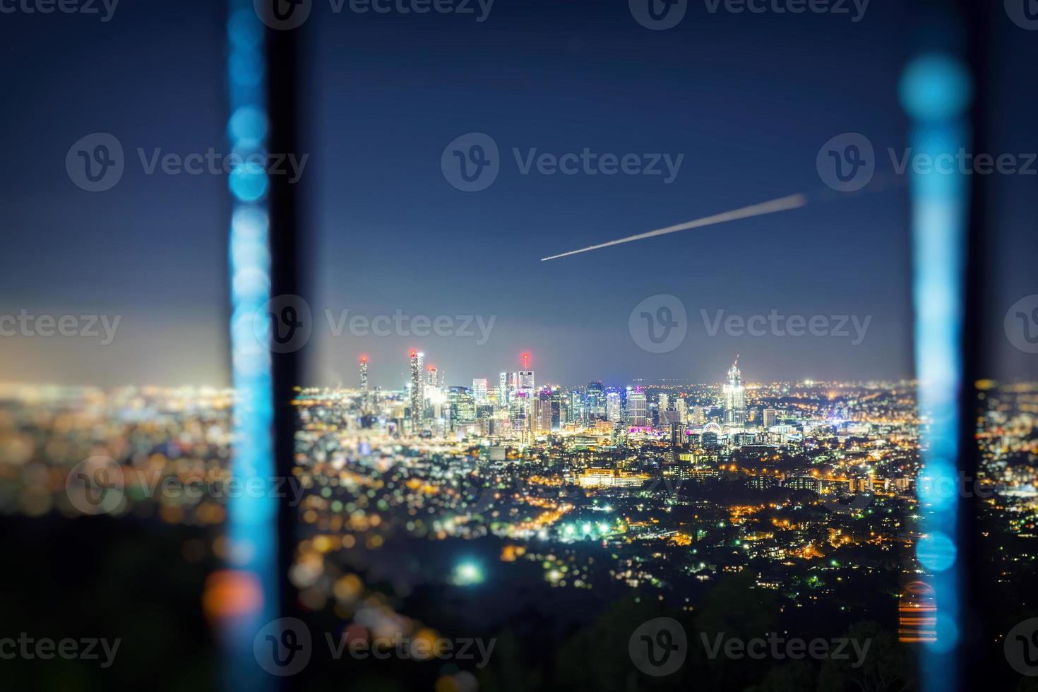 uitzicht over de stad Brisbane vanaf Mount Coot-Tha foto
