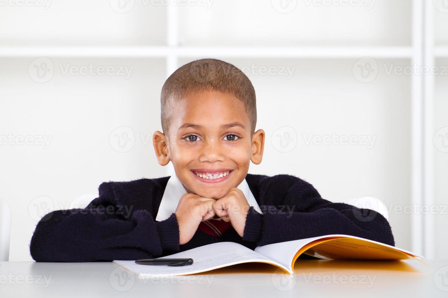 basisschooljongen foto