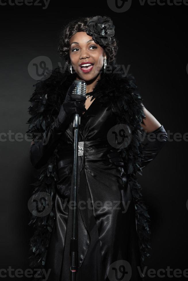 vintage jazz vrouw zingen. zwarte Afro-Amerikaanse. foto