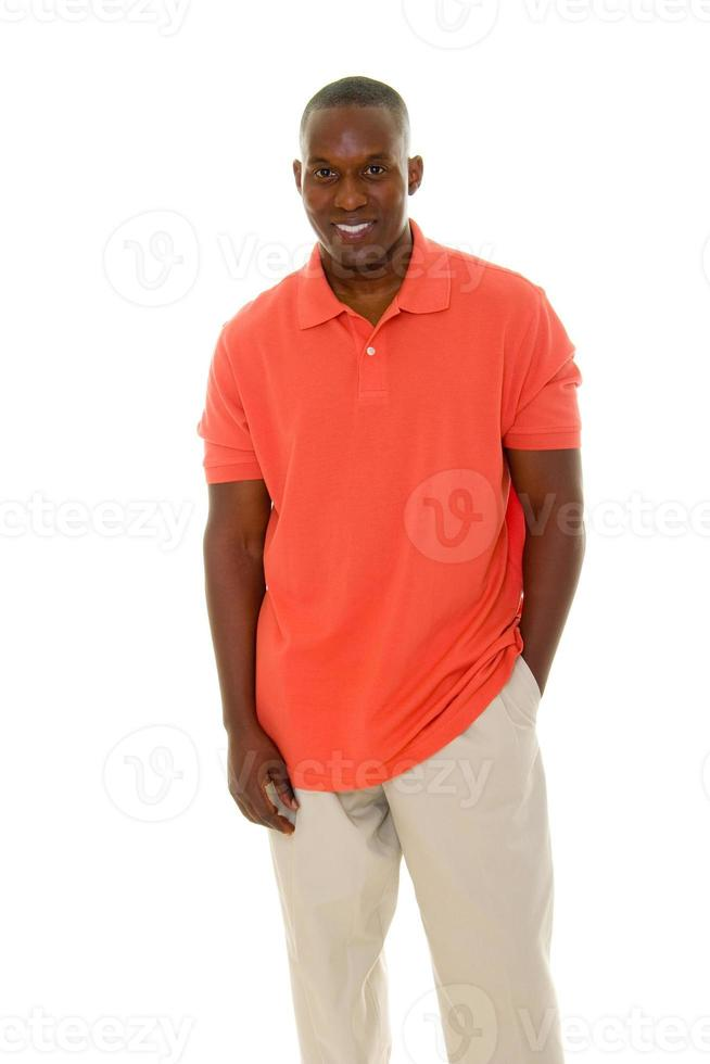 casual man in oranje shirt foto