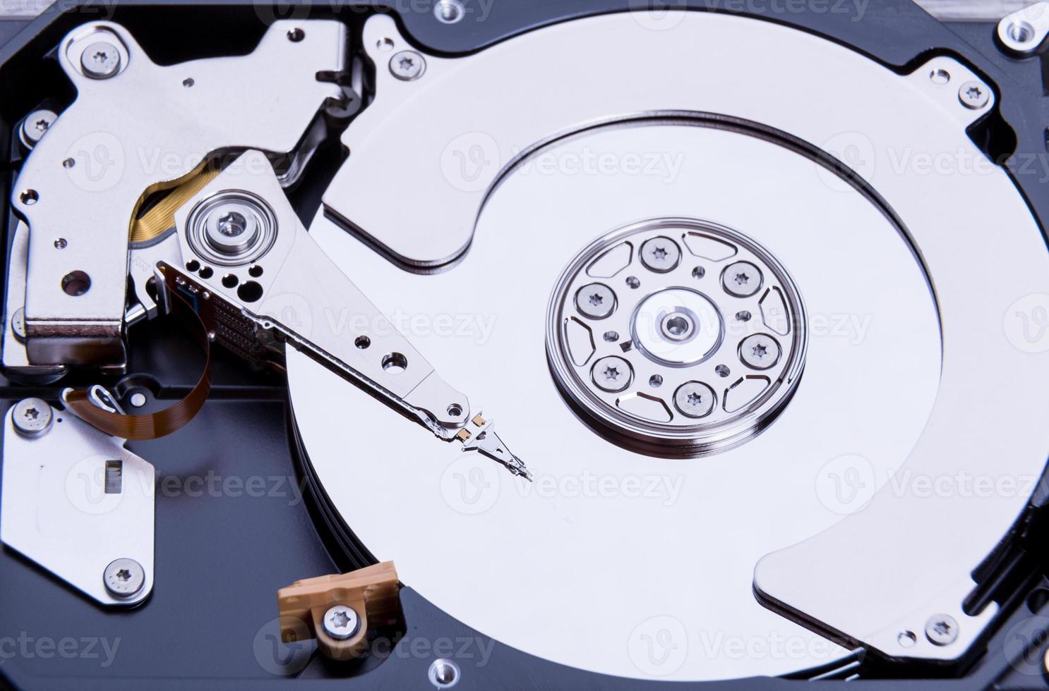 close up van open computer harde schijf foto