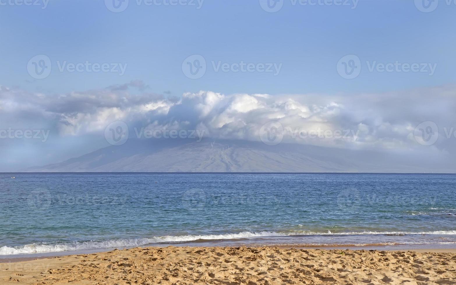 uitzicht vanaf makena beach maui, hawaii foto