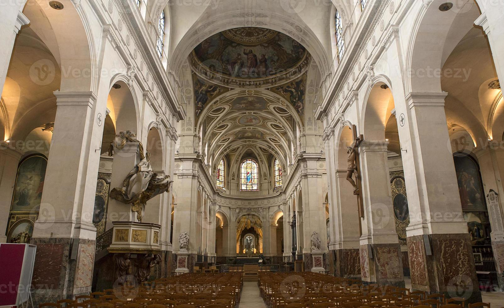 interieurs en details van de kerk van saint roch, parijs, frankrijk foto