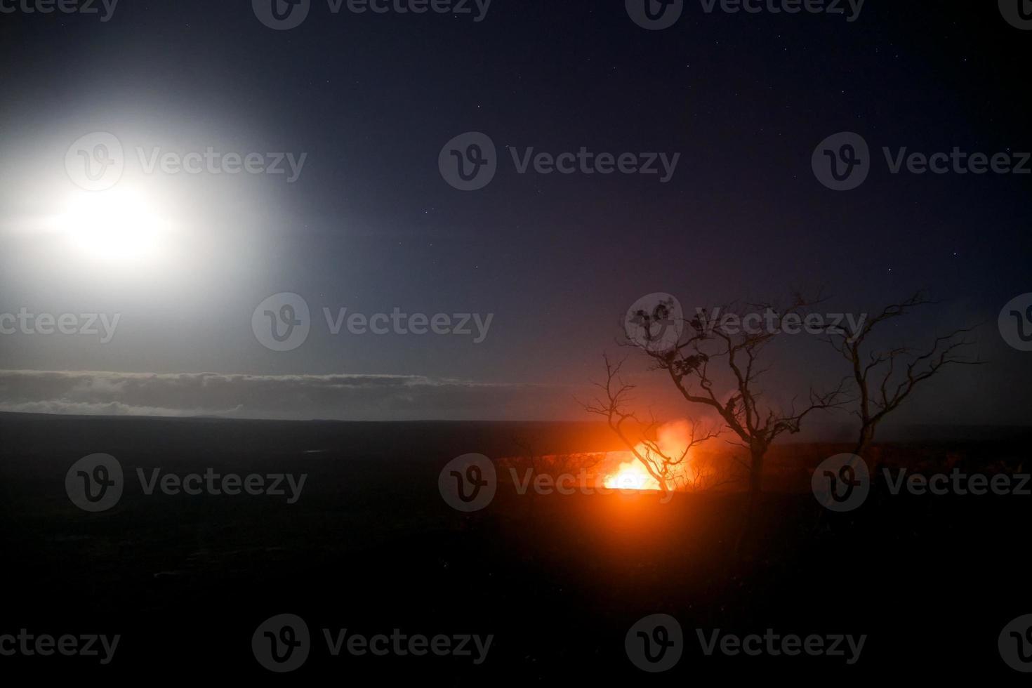 volle maan boven kilauea foto