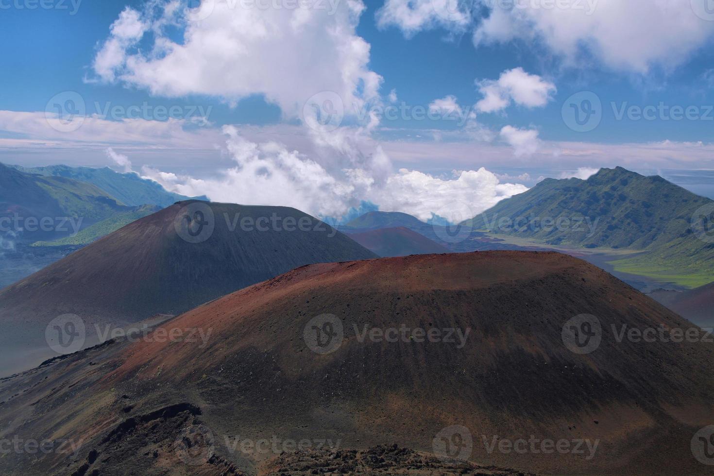 caldera van de haleakala vulkaan in maui island foto