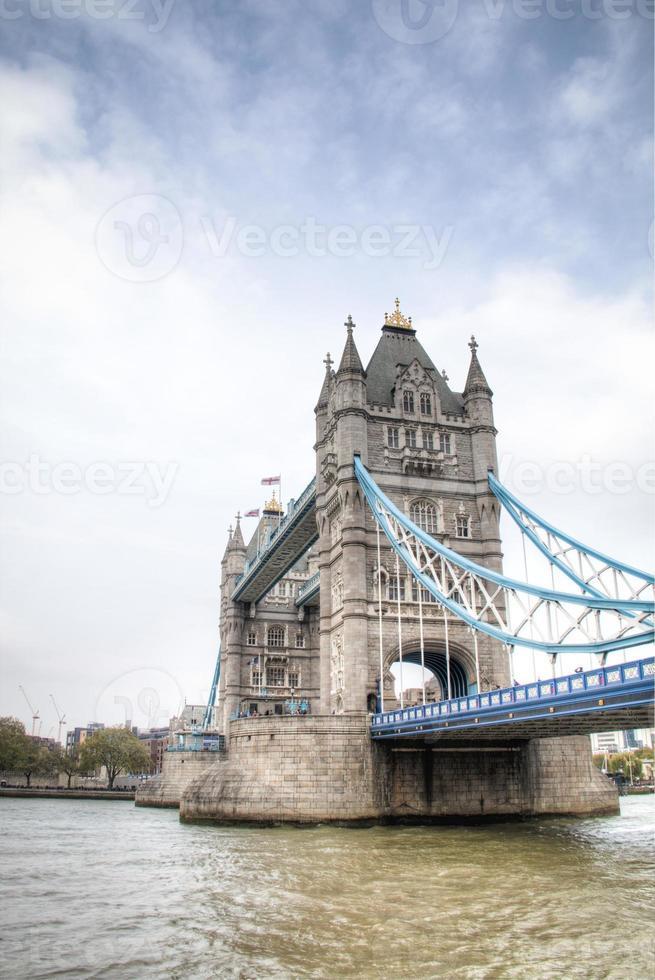 de Tower Bridge in Londen, Verenigd Koninkrijk foto