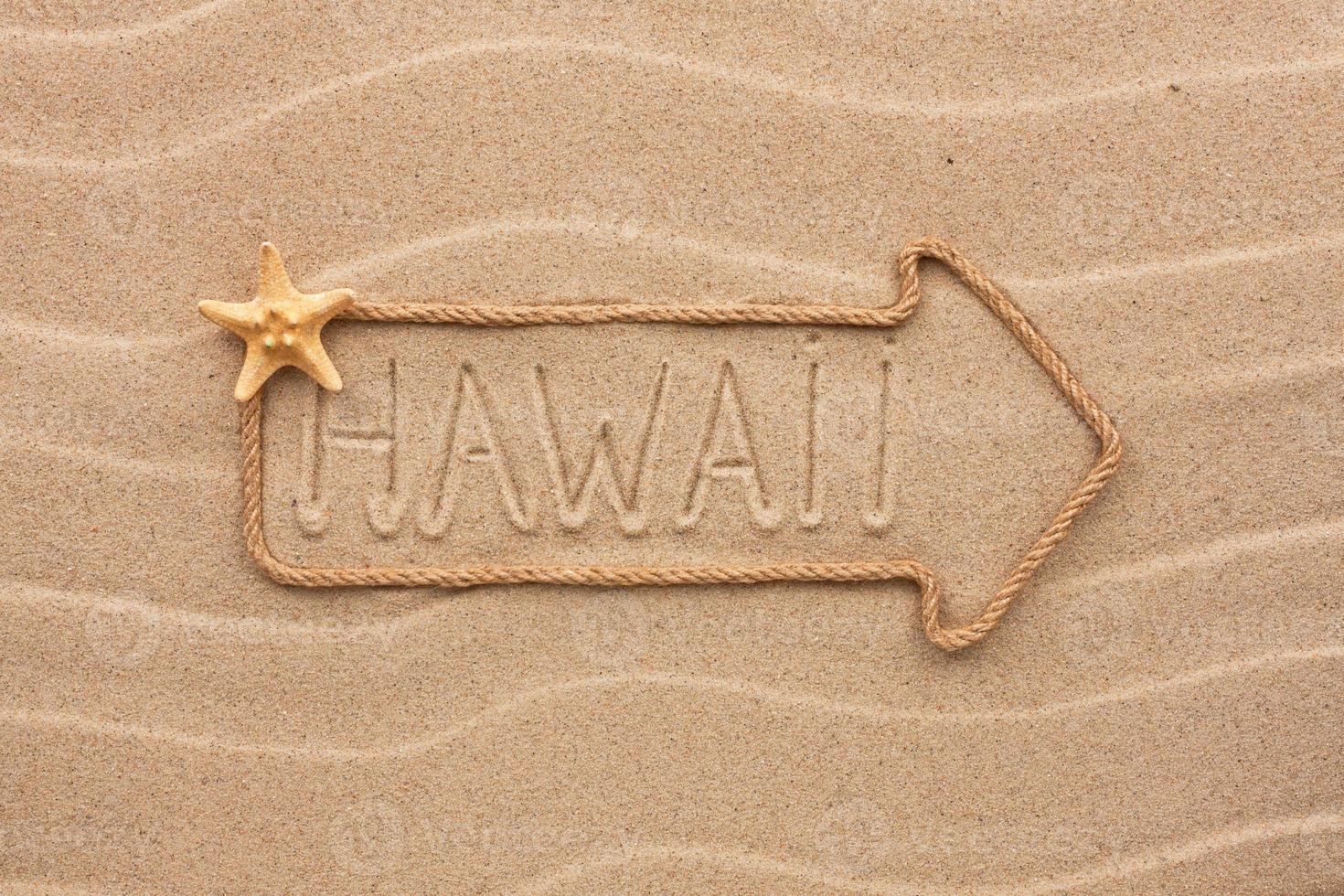 pijl gemaakt van touw met het woord hawaii foto