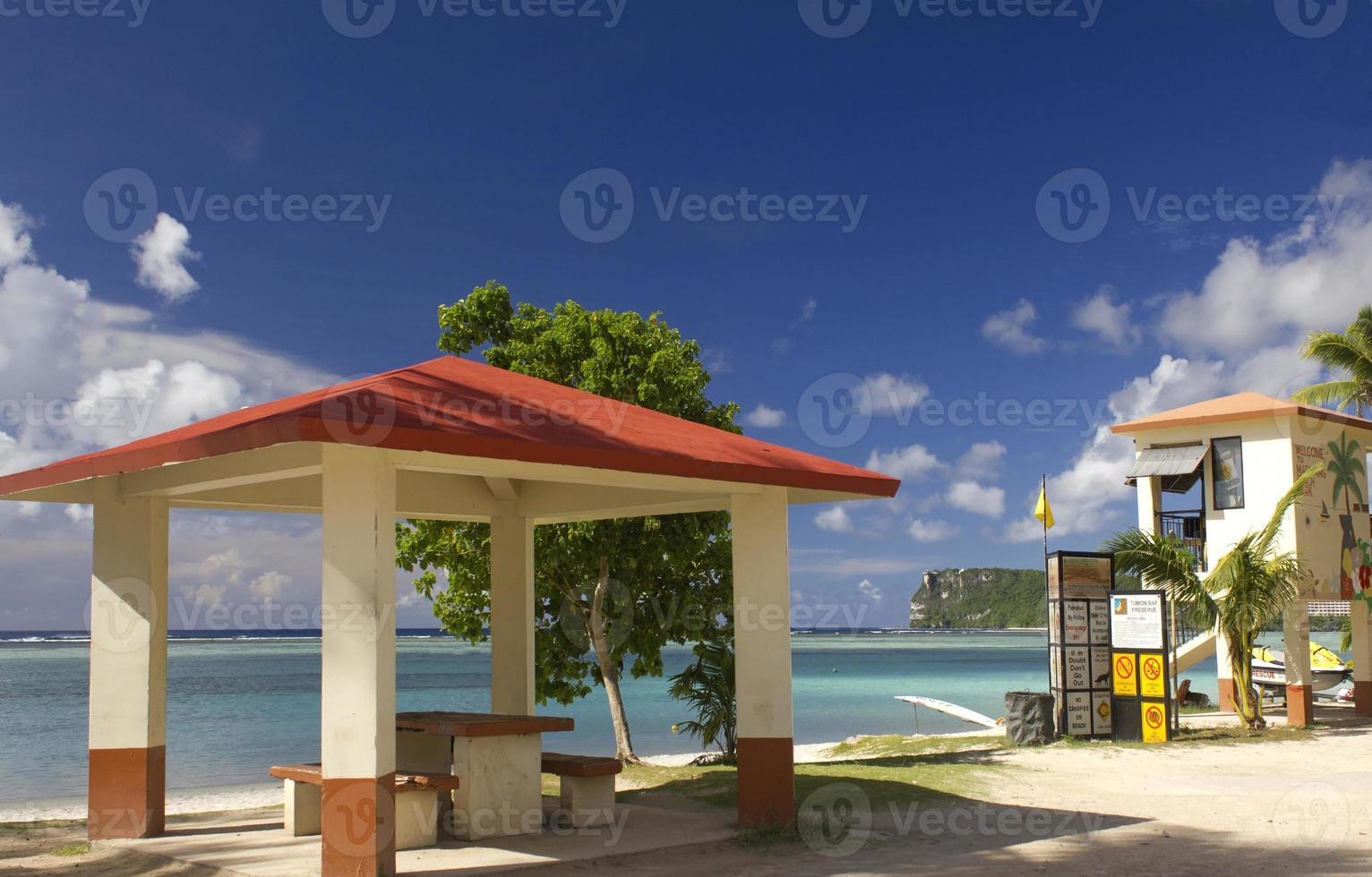 Guam strandpicknick zijn foto