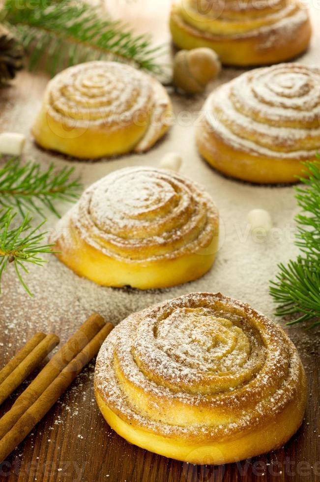 kanelbulle - Zweedse kaneelbroodjes foto