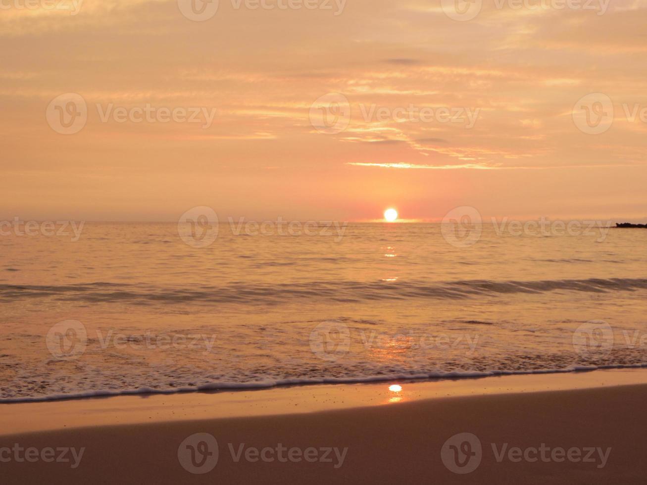 zee zonsondergang van Hawaï foto