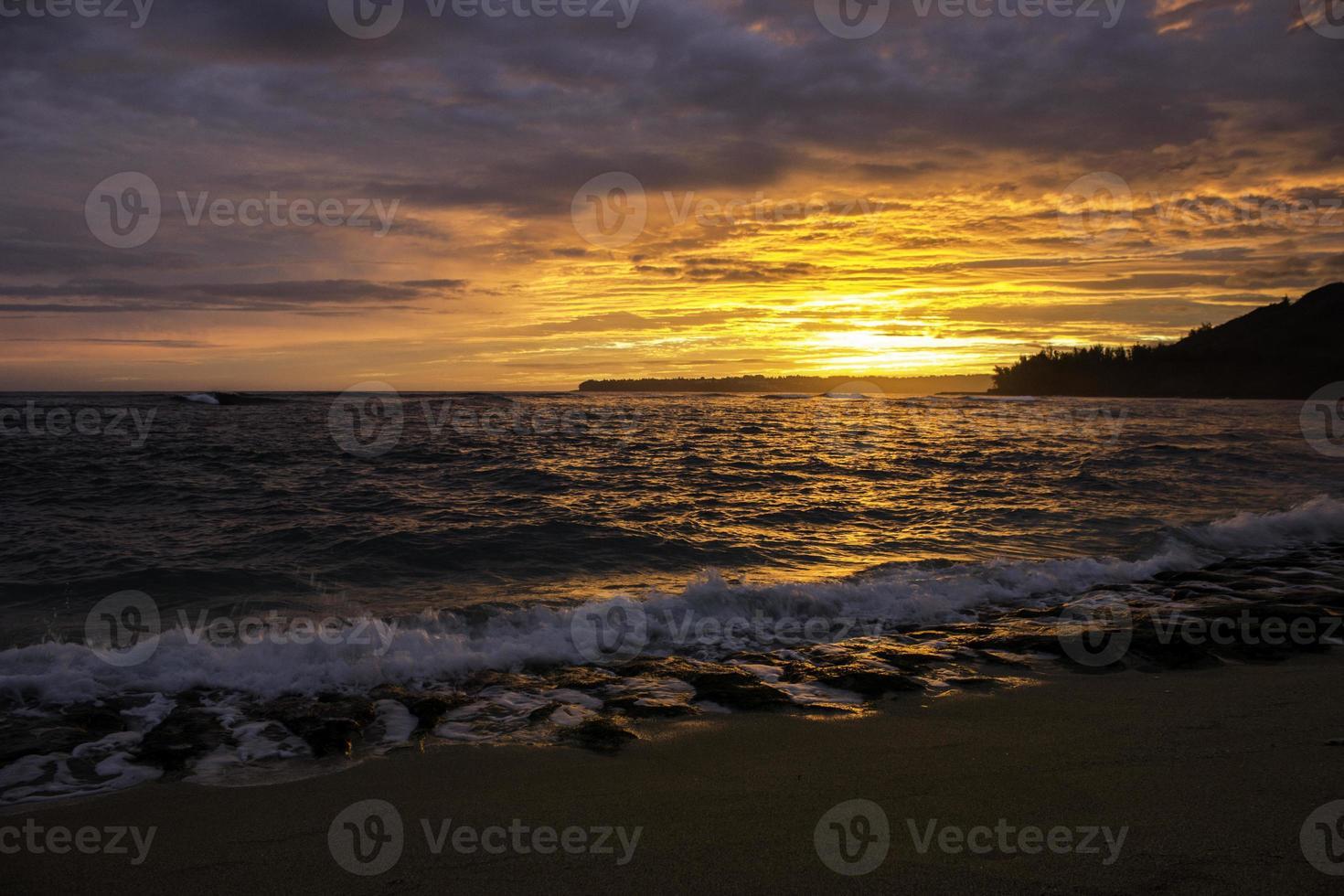 zonsopgang, Wainiha Bay, Kauai foto