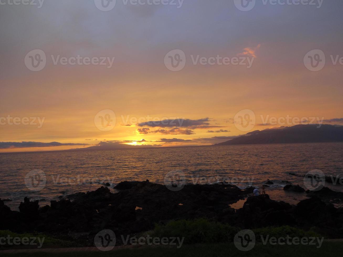 Maui in de schemering foto