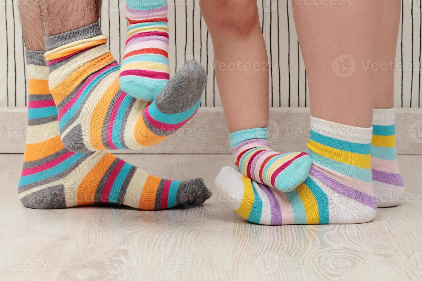 familie in sokken foto