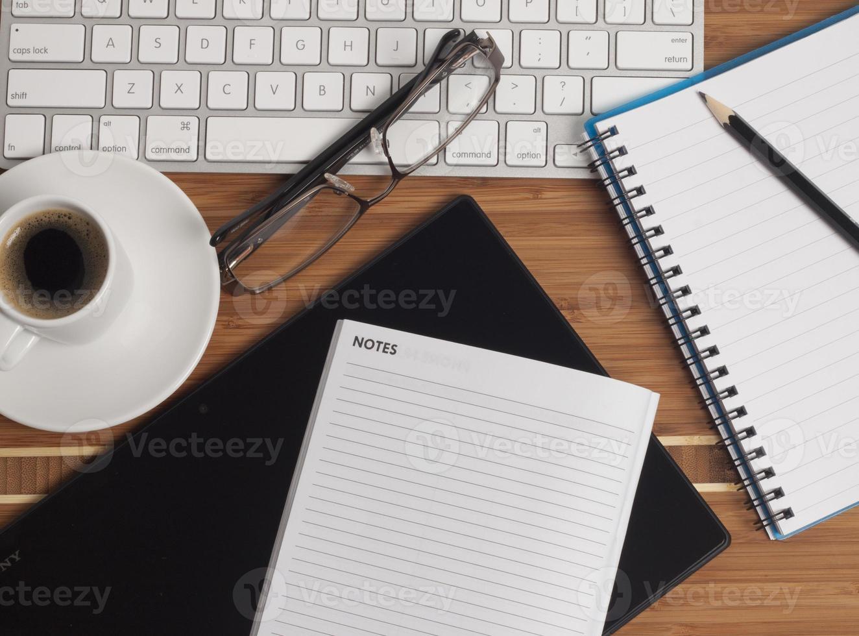 koffie op het bureau foto