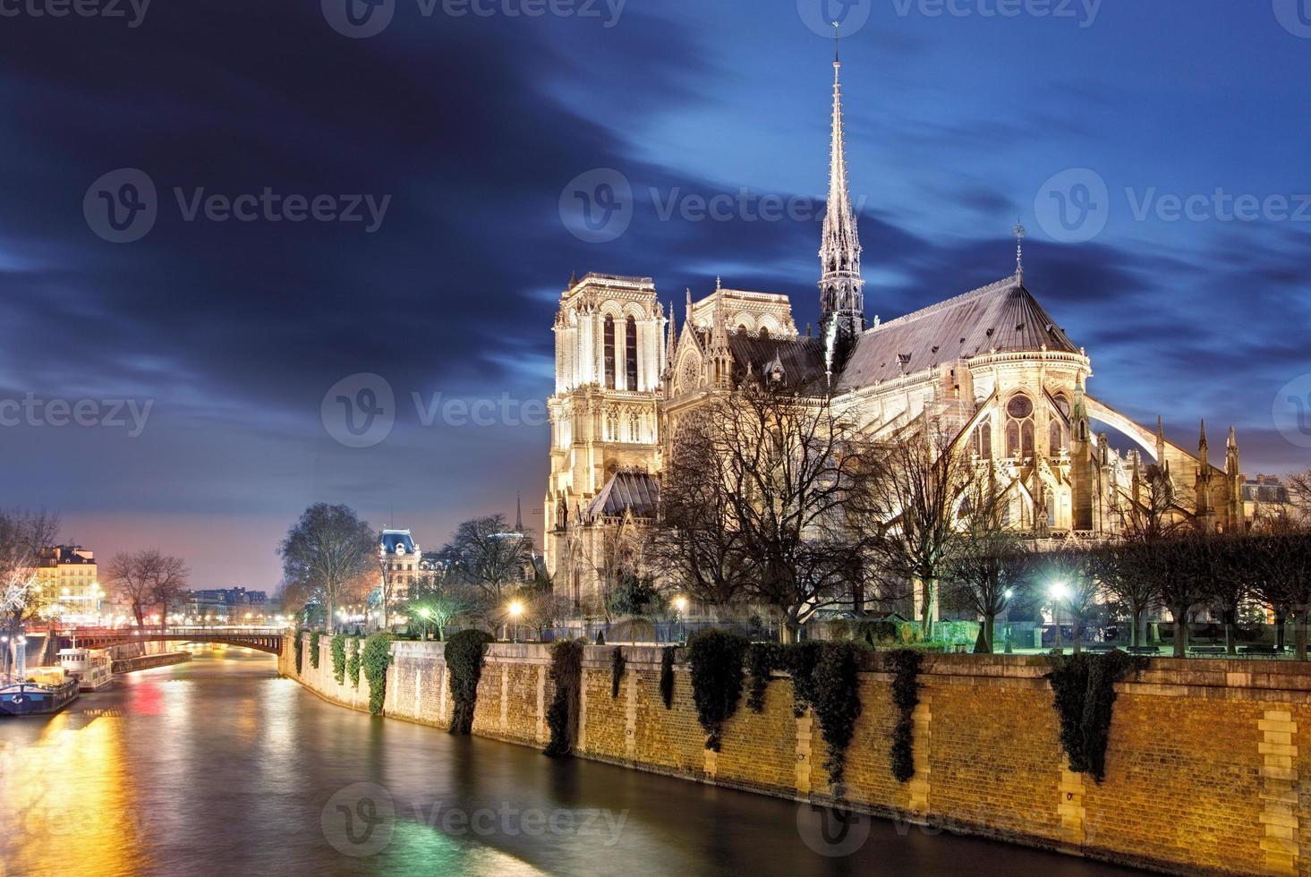 Notre Dame de Paris kathedraal en Seine rivier, Parijs, Frankrijk foto
