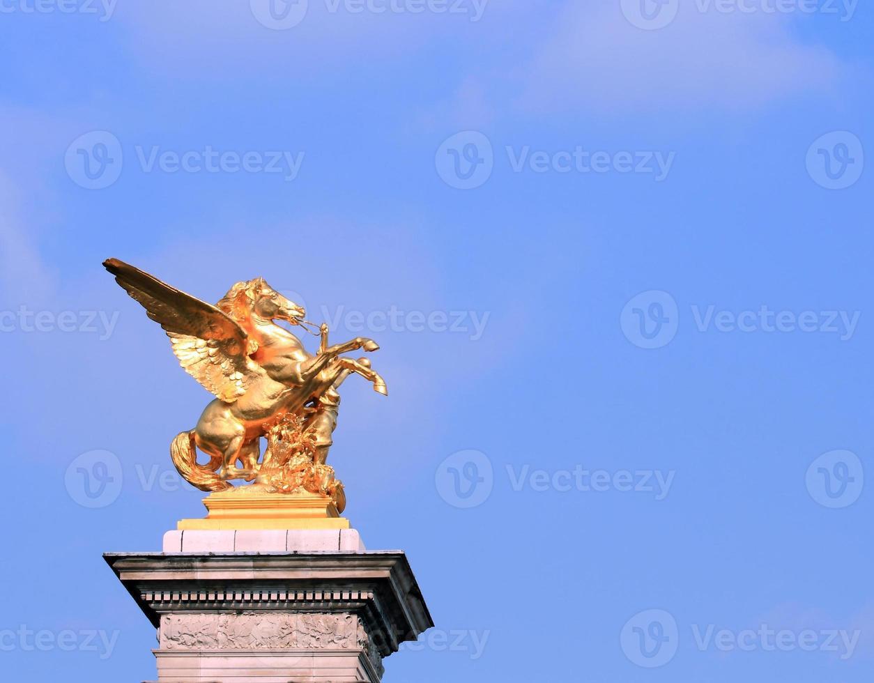 gouden paard standbeeld Parijs foto