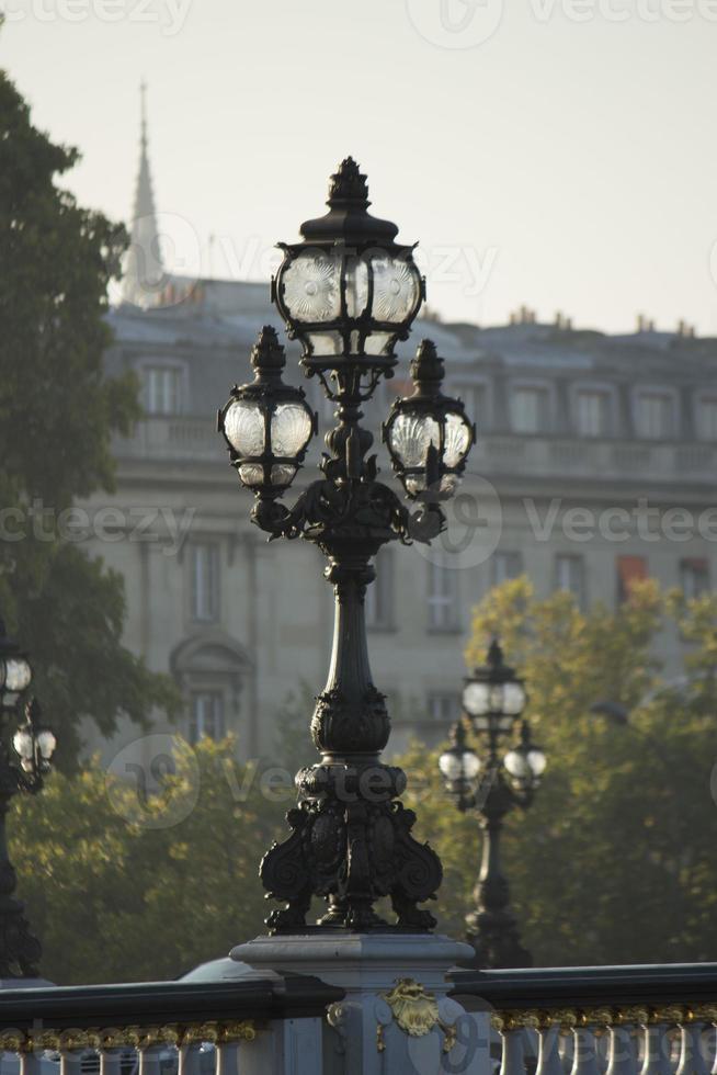 pont alexandre iii lantaarnpaal foto