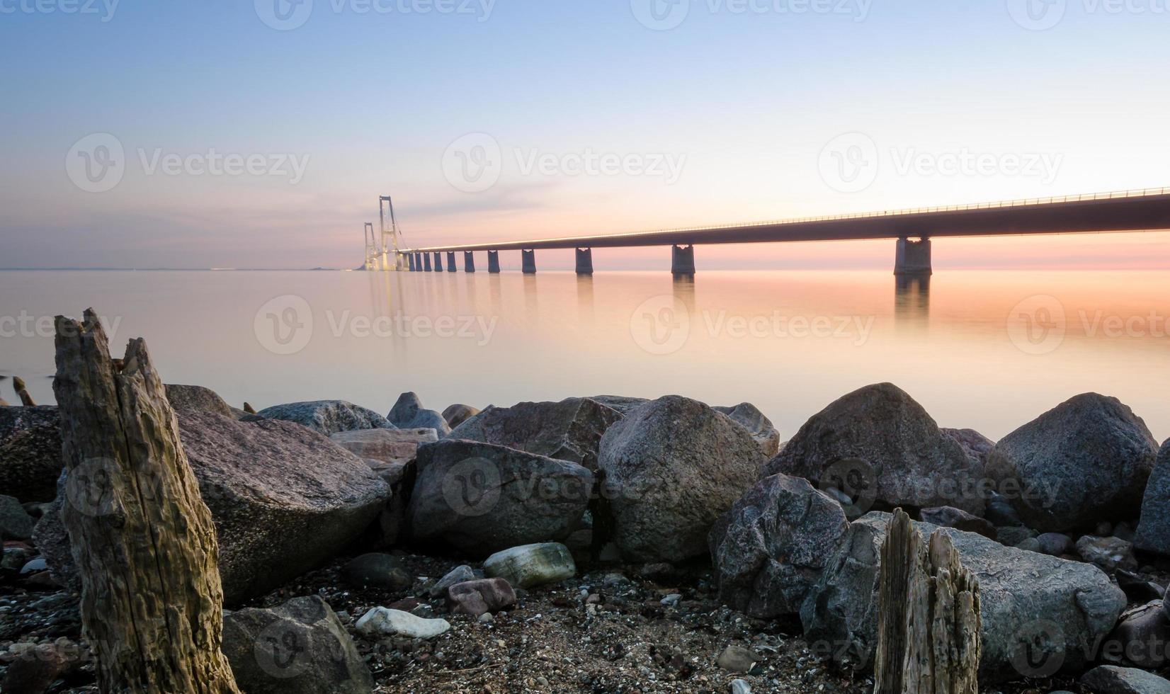brug over storebaelt in Denemarken foto