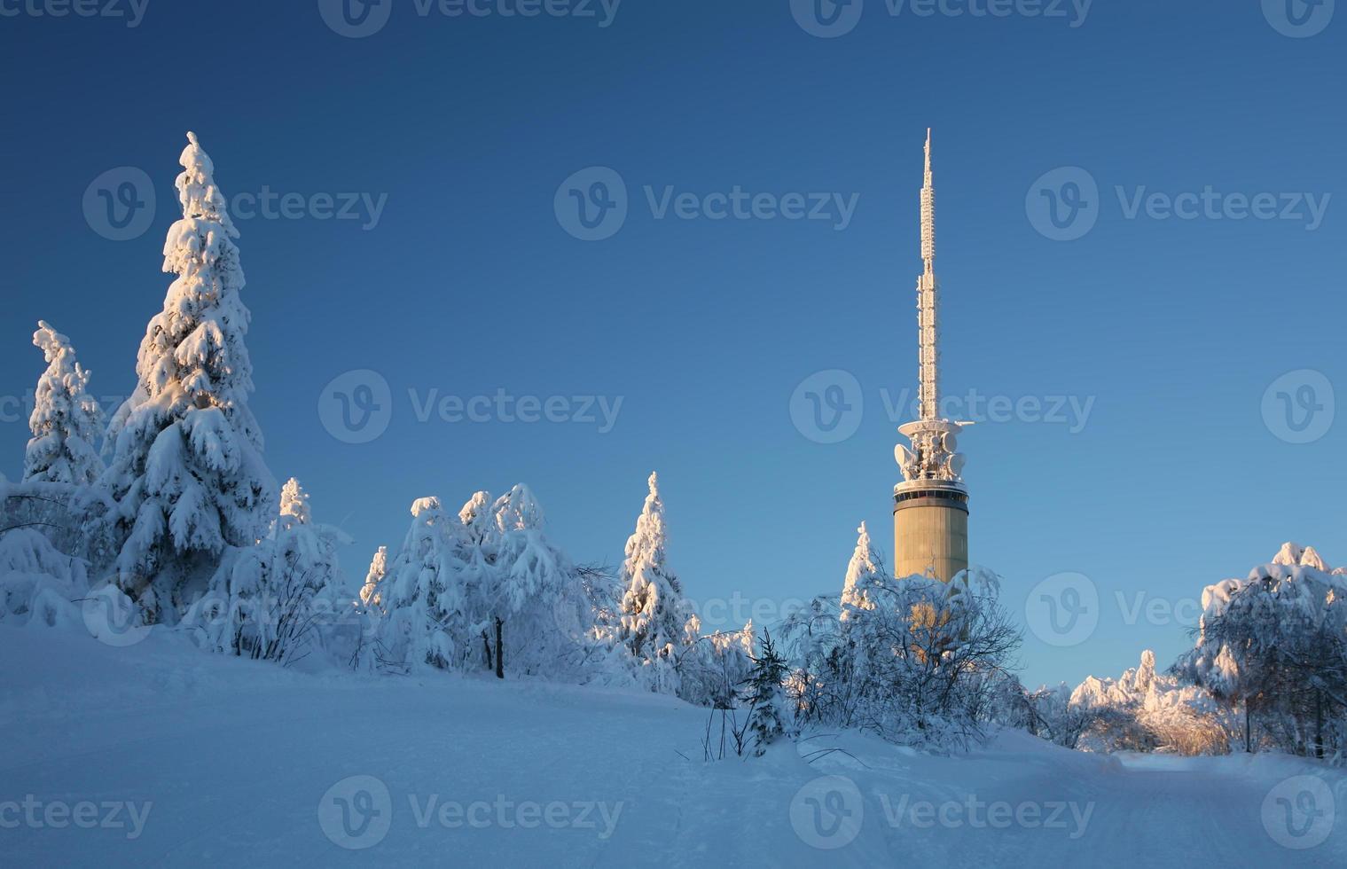 Tryvann-toren buiten Oslo foto