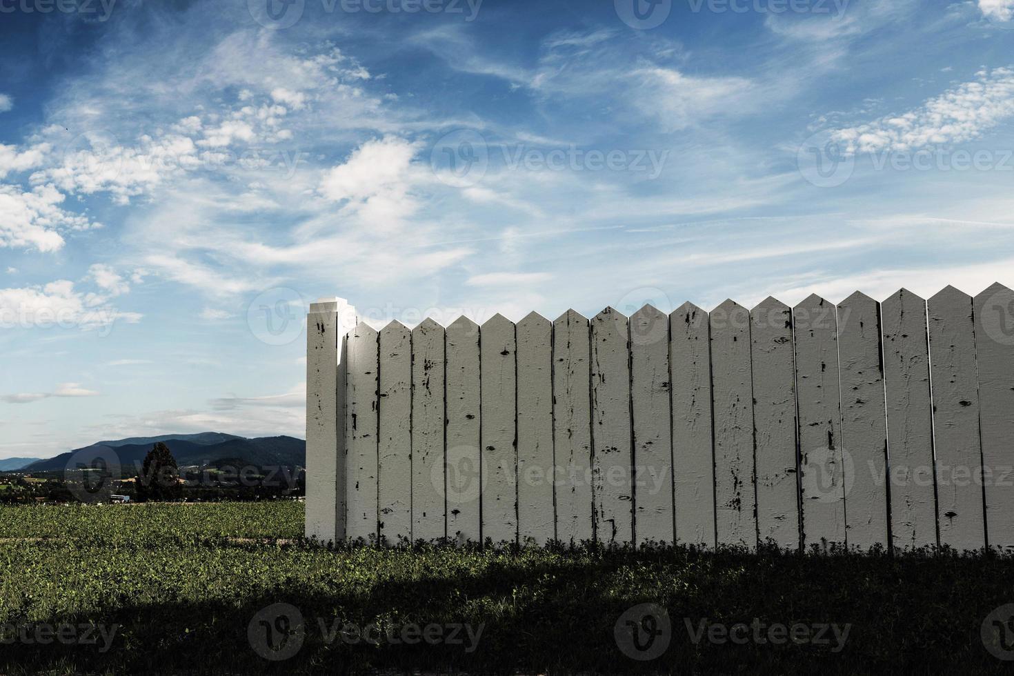 witte houten hek foto