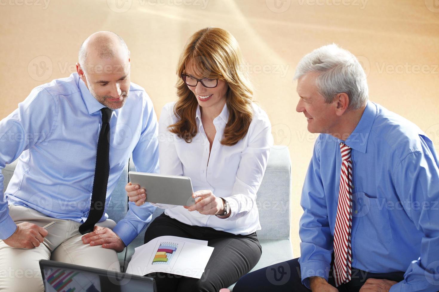 commercieel team op het werk foto