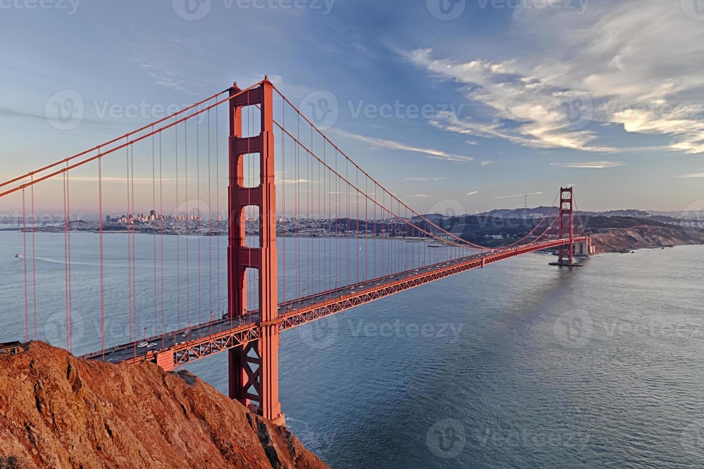 golden gate bridge in de stad van San Francisco foto
